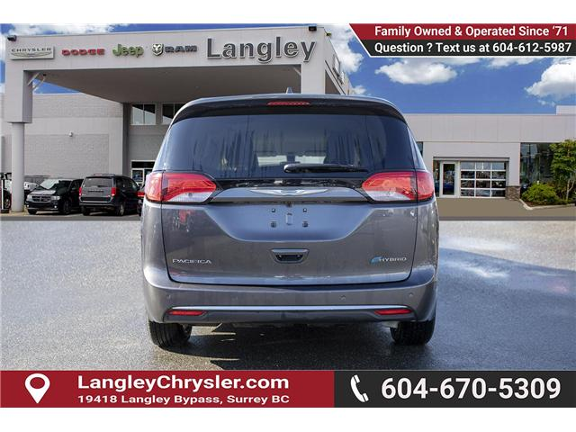 2018 Chrysler Pacifica Hybrid Touring-L (Stk: K594374A) in Surrey - Image 5 of 25