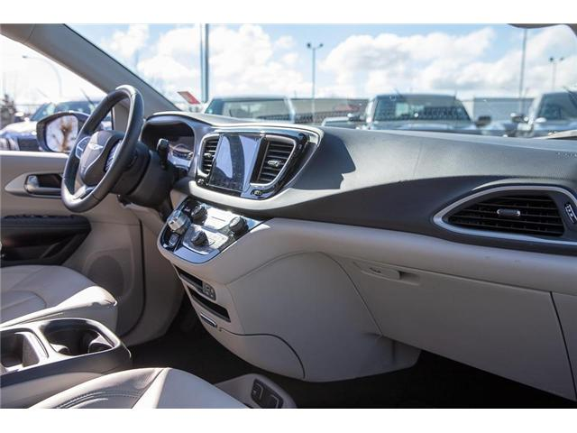 2018 Chrysler Pacifica Hybrid Touring-L (Stk: K594374A) in Surrey - Image 15 of 25