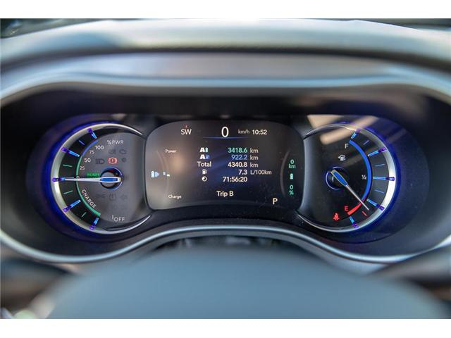 2018 Chrysler Pacifica Hybrid Touring-L (Stk: K594374A) in Surrey - Image 20 of 25