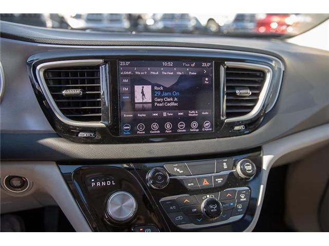 2018 Chrysler Pacifica Hybrid Touring-L (Stk: K594374A) in Surrey - Image 21 of 25