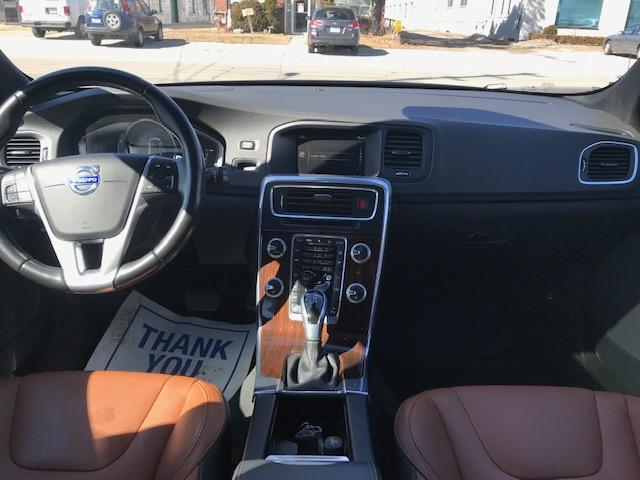 2015 Volvo V60 T6 AWD PREMIER PLUS! 48K! NAV! T6 TURBO PREMIUM PLUS (Stk: 71814) in Etobicoke - Image 11 of 15