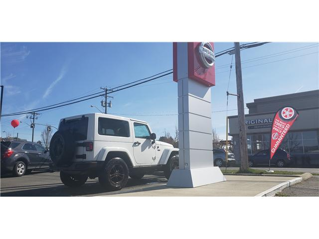 2016 Jeep Wrangler 24H 75th Anniversary (Stk: P0052) in Duncan - Image 2 of 3