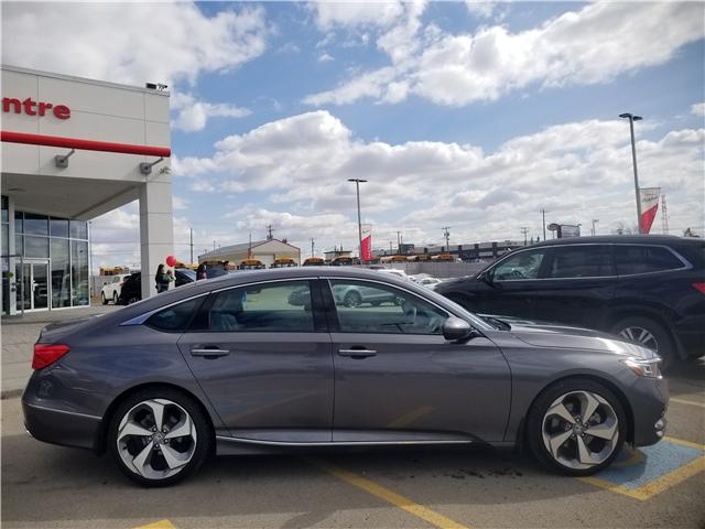 2018 Honda Accord Touring (Stk: U194117) in Calgary - Image 2 of 30