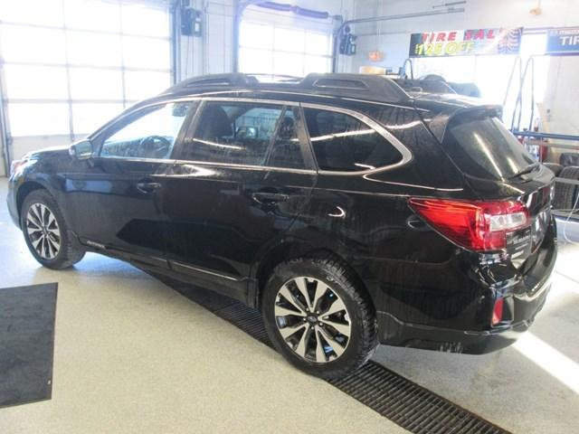 2015 Subaru Outback 3.6R Touring Package (Stk: M25851) in Gloucester - Image 3 of 20