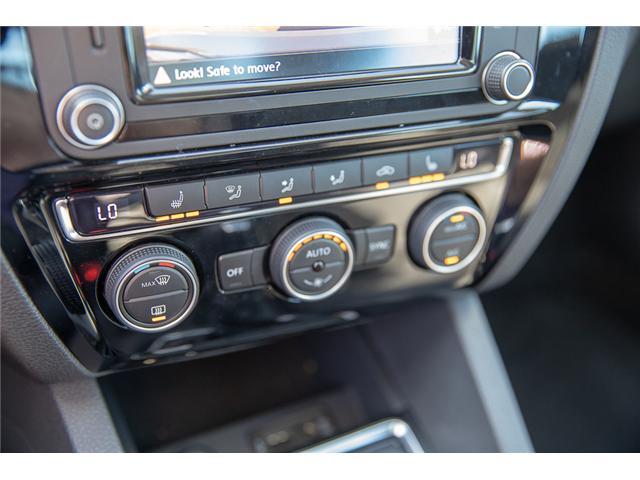 2017 Volkswagen Jetta 1.8 TSI Highline (Stk: VW0832) in Surrey - Image 28 of 30