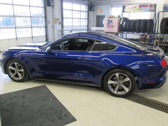 2015 Ford Mustang V6 (Stk: 205641) in Gloucester - Image 2 of 14