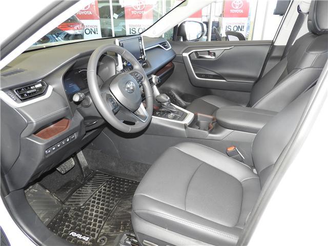 2019 Toyota RAV4 Limited (Stk: 190200) in Cochrane - Image 9 of 11