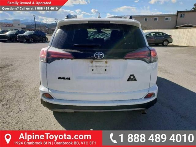 2018 Toyota RAV4 XLE (Stk: W708904R) in Cranbrook - Image 4 of 17