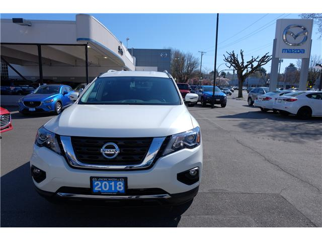 2018 Nissan Pathfinder SV Tech (Stk: 304451A) in Victoria - Image 2 of 21
