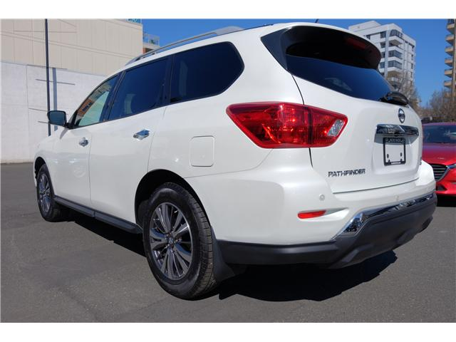 2018 Nissan Pathfinder SV Tech (Stk: 304451A) in Victoria - Image 6 of 21
