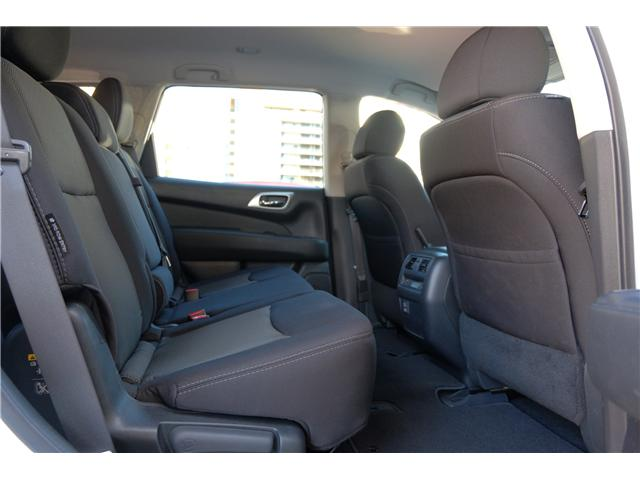 2018 Nissan Pathfinder SV Tech (Stk: 304451A) in Victoria - Image 18 of 21