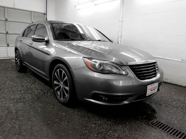 2013 Chrysler 200 S (Stk: C9-21611) in Burnaby - Image 2 of 23