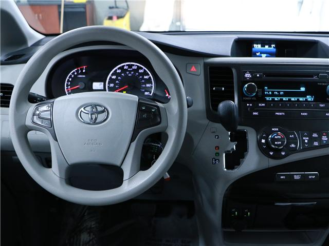 2014 Toyota Sienna LE 8 Passenger (Stk: 195203) in Kitchener - Image 7 of 31