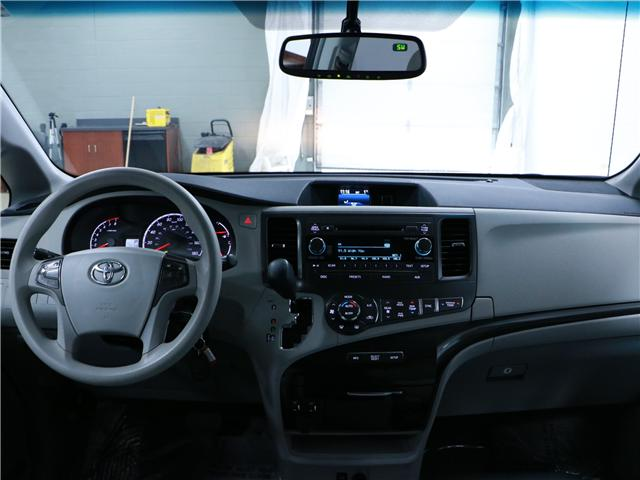 2014 Toyota Sienna LE 8 Passenger (Stk: 195203) in Kitchener - Image 6 of 31