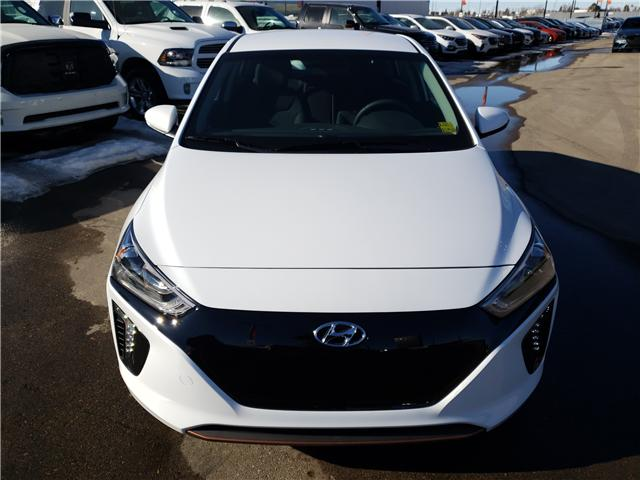 2019 Hyundai Ioniq EV Preferred (Stk: 29129) in Saskatoon - Image 2 of 17