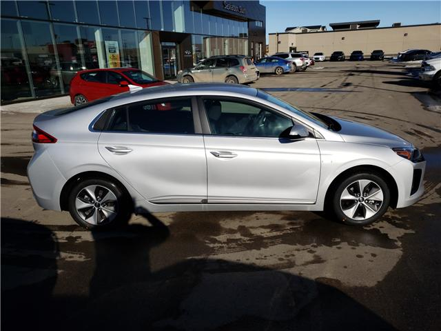 2019 Hyundai Ioniq EV Preferred (Stk: 29139) in Saskatoon - Image 3 of 18