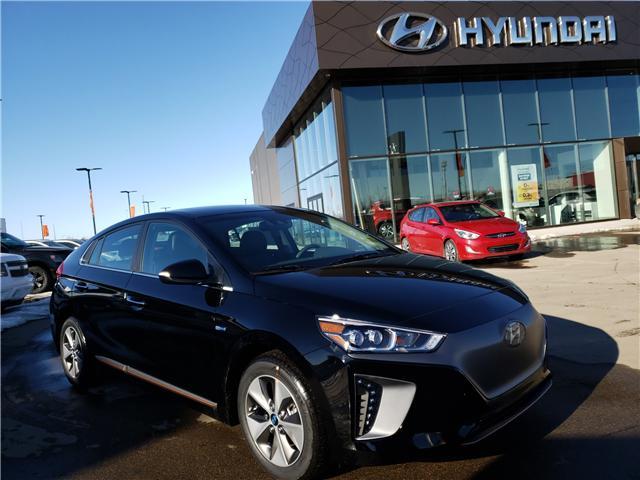 2019 Hyundai Ioniq EV Ultimate (Stk: 29140) in Saskatoon - Image 1 of 18