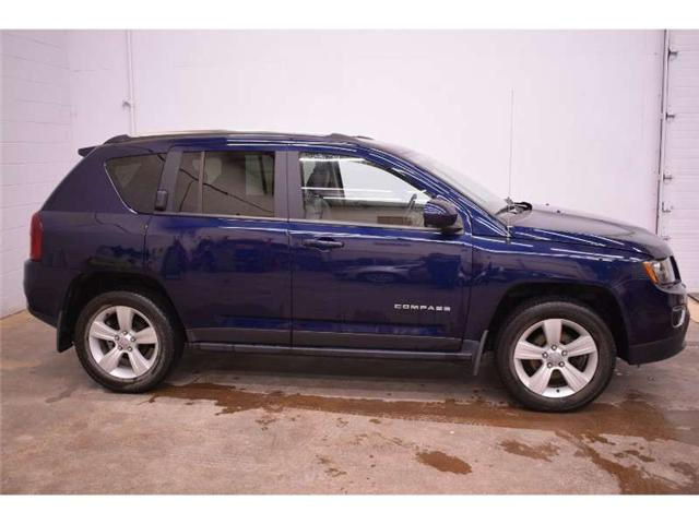 2017 Jeep Compass SPORT 4X4 - HEATED SEATS * LEATHER * SUNROOF (Stk: B3344A) in Cornwall - Image 1 of 30