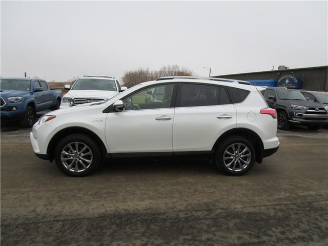 2017 Toyota RAV4 Hybrid Limited (Stk: 1991081) in Moose Jaw - Image 2 of 33