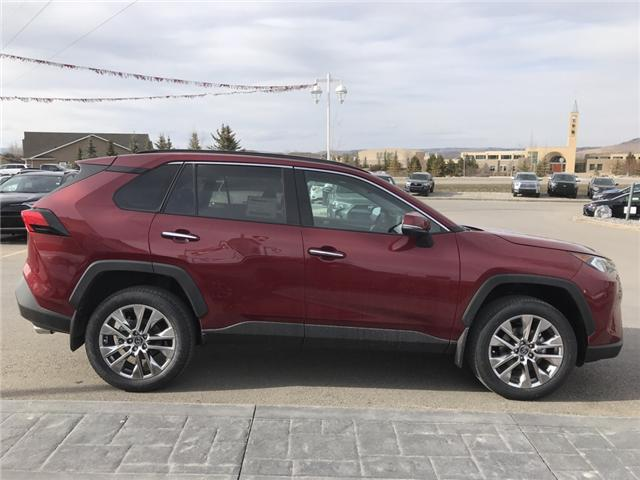 2019 Toyota RAV4 Limited (Stk: 190242) in Cochrane - Image 6 of 14