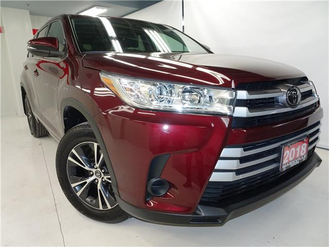 2018 Toyota Highlander LE (Stk: 36111U) in Markham - Image 1 of 24