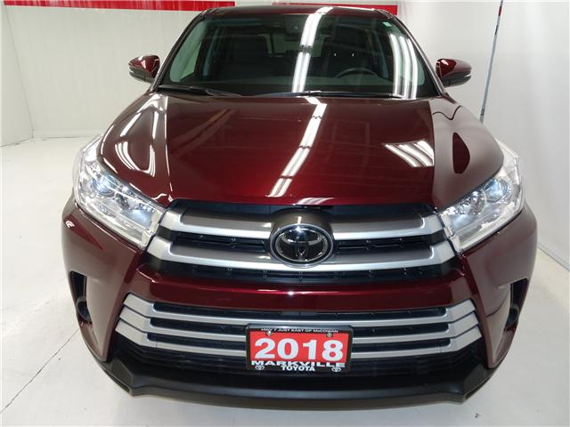 2018 Toyota Highlander LE (Stk: 36111U) in Markham - Image 2 of 24