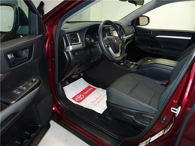 2018 Toyota Highlander LE (Stk: 36111U) in Markham - Image 10 of 24