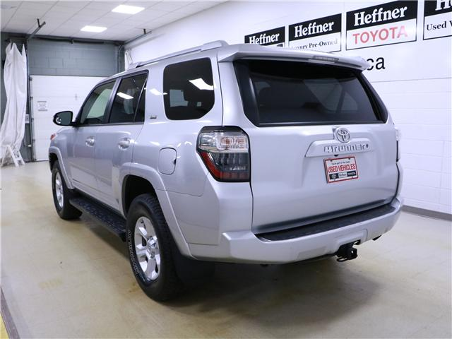 2016 Toyota 4Runner SR5 (Stk: 195223) in Kitchener - Image 2 of 31