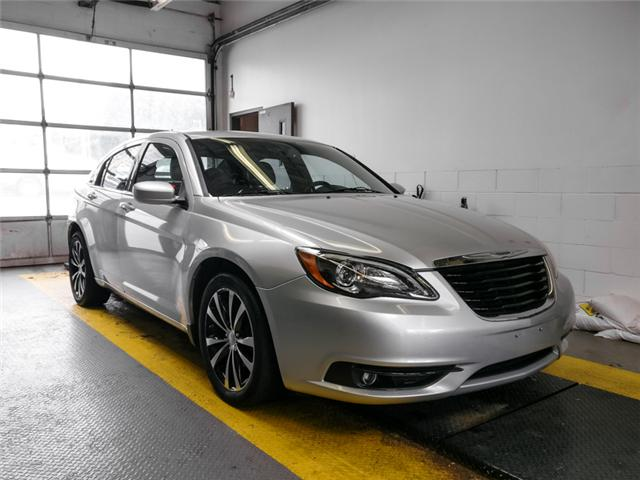 2012 Chrysler 200 S (Stk: 9-6066-1) in Burnaby - Image 2 of 24