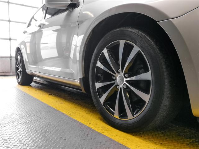 2012 Chrysler 200 S (Stk: 9-6066-1) in Burnaby - Image 16 of 24