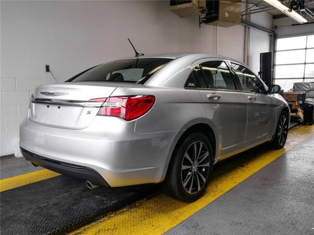 2012 Chrysler 200 S (Stk: 9-6066-1) in Burnaby - Image 3 of 24