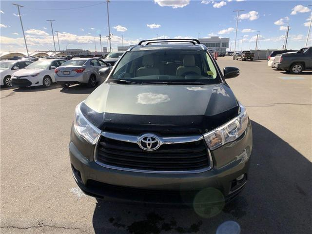 2015 Toyota Highlander  (Stk: 28S0432A) in Calgary - Image 2 of 18