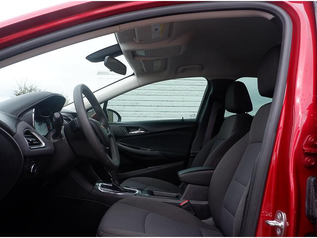 2017 Chevrolet Cruze Hatch LT Auto (Stk: 19283A) in Peterborough - Image 13 of 19