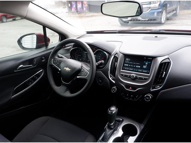 2017 Chevrolet Cruze Hatch LT Auto (Stk: 19283A) in Peterborough - Image 15 of 19