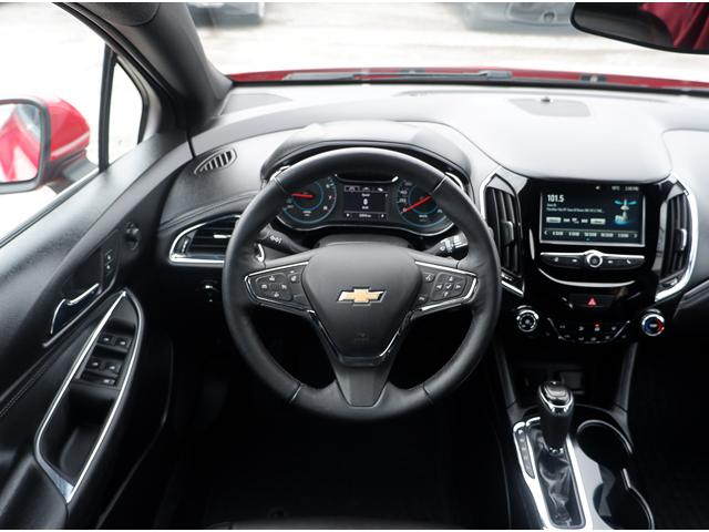 2017 Chevrolet Cruze Hatch Premier Auto (Stk: 19336A) in Peterborough - Image 17 of 19