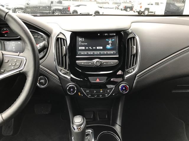 2018 Chevrolet Cruze Premier Auto (Stk: 972150) in North Vancouver - Image 9 of 28