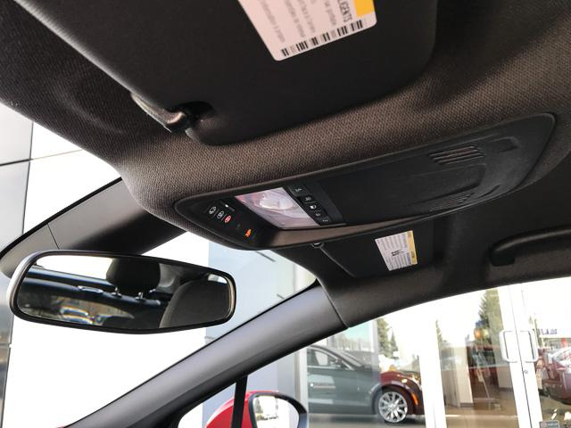 2017 Chevrolet Cruze Hatch LT Auto (Stk: 9C44571) in North Vancouver - Image 27 of 28