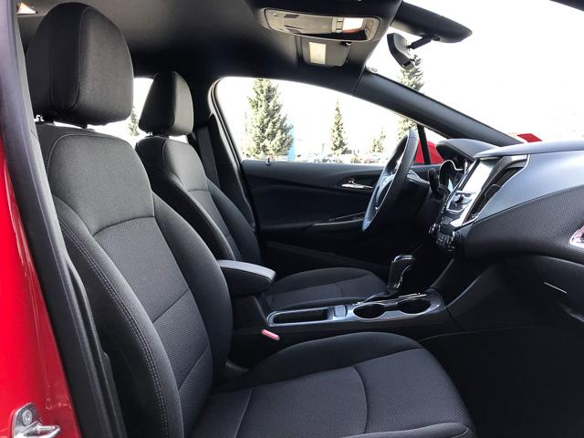 2017 Chevrolet Cruze Hatch LT Auto (Stk: 9C44571) in North Vancouver - Image 12 of 28