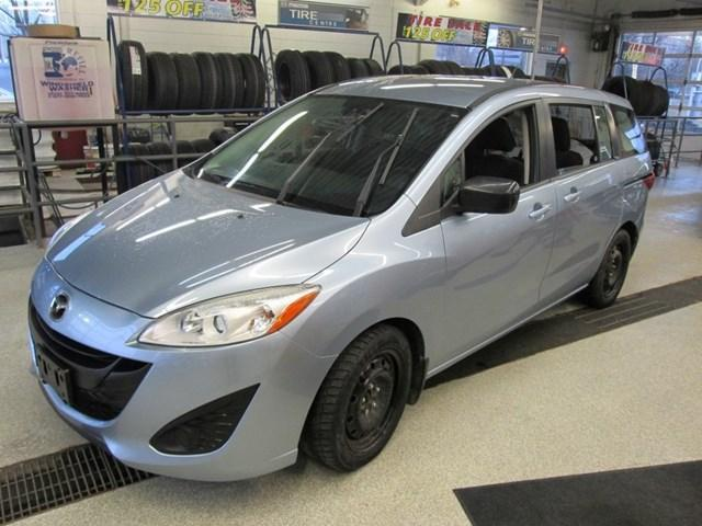 2013 Mazda Mazda5 GS (Stk: 198031) in Gloucester - Image 1 of 14