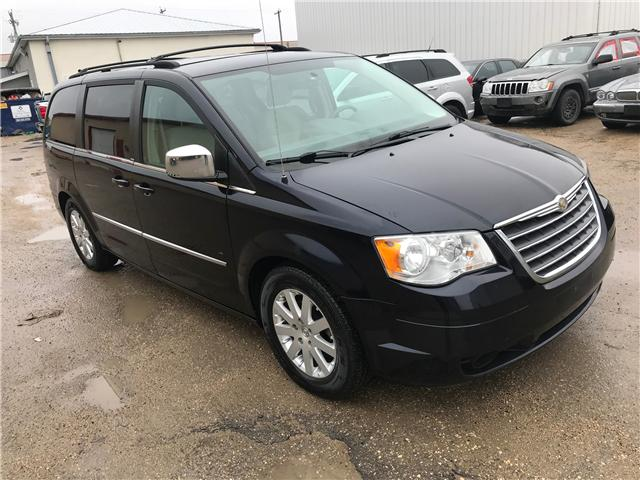 2010 Chrysler Town & Country Touring (Stk: 117) in Winnipeg - Image 2 of 12