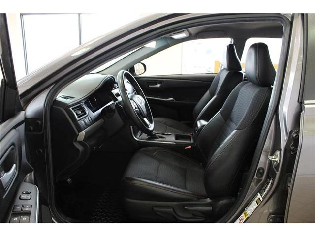 2015 Toyota Camry SE (Stk: 496245) in Milton - Image 14 of 39
