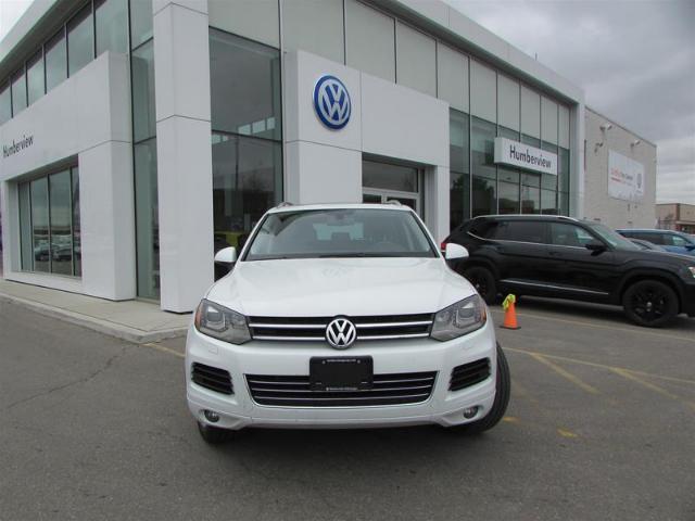 2012 Volkswagen Touareg 3.0 TDI Execline (Stk: 9054P) in Toronto - Image 2 of 21