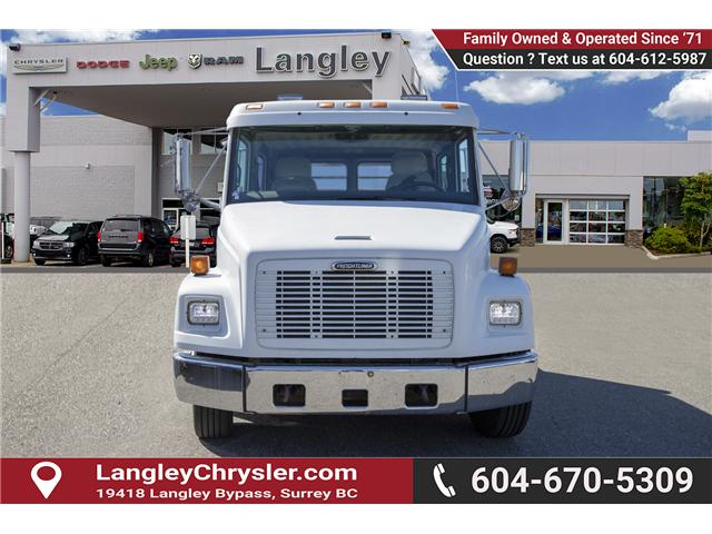 2001 Freightliner 5500 Chassis ST/SLT (Stk: EE901950) in Surrey - Image 2 of 23