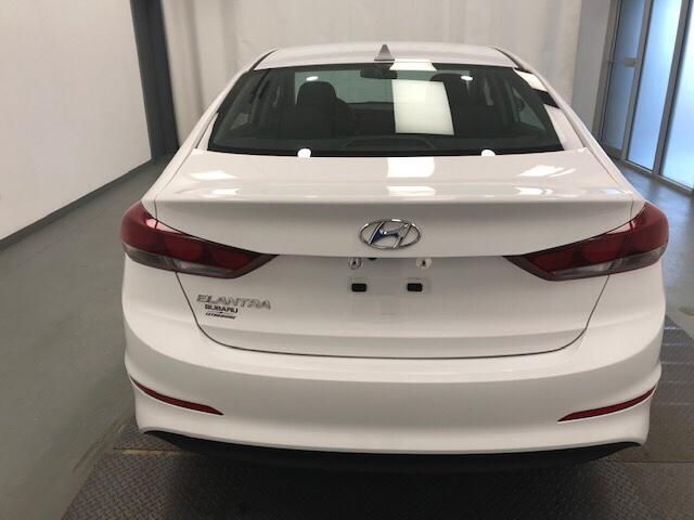 2017 Hyundai Elantra  (Stk: 198676) in Lethbridge - Image 2 of 27