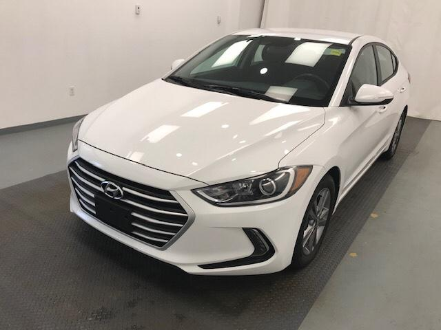 2017 Hyundai Elantra  (Stk: 198676) in Lethbridge - Image 1 of 27