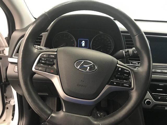 2017 Hyundai Elantra  (Stk: 198676) in Lethbridge - Image 17 of 27