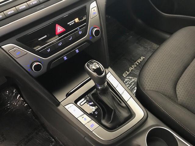 2017 Hyundai Elantra  (Stk: 198676) in Lethbridge - Image 21 of 27