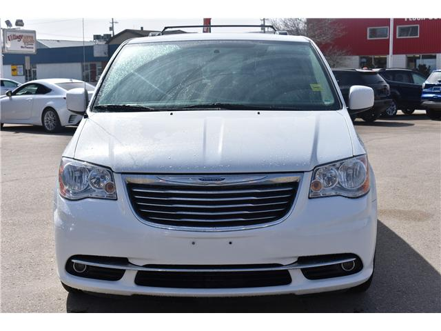 2016 Chrysler Town & Country Touring-L (Stk: P36100) in Saskatoon - Image 2 of 24