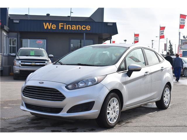 2014 Ford Fiesta SE (Stk: P35965) in Saskatoon - Image 1 of 22