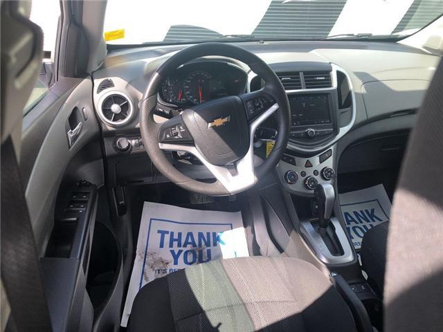 2018 Chevrolet Sonic LT Auto (Stk: 46555r) in Burlington - Image 16 of 23